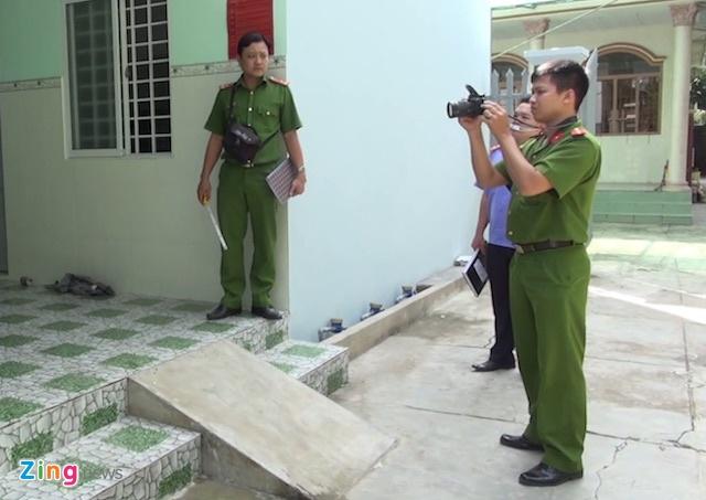 Bat giam nghi pham truy sat vo chong chu tiem xe may hinh anh 2