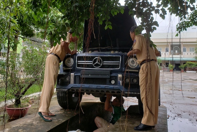 Chu Mercedes-Benz G55: Gan bien so quan doi chay cho oai hinh anh