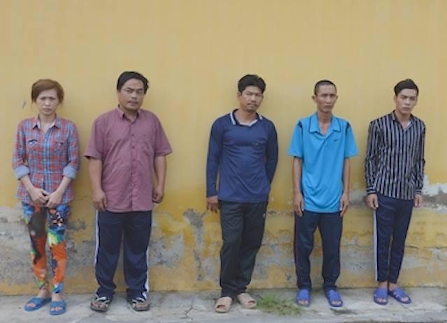 Khoi to 5 nguoi gay roi tai BOT Cau Song Cai Nho hinh anh 1