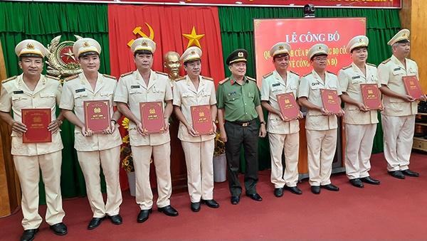 Trung ta Ngo Duc Thang giu chuc vu pho giam doc Cong an tinh Vinh Long anh 2