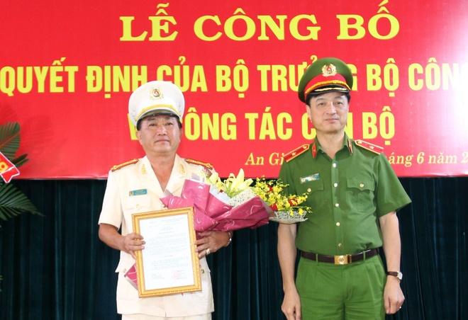 Dai ta Dinh Van Noi giu chuc vu giam doc Cong an An Giang anh 2
