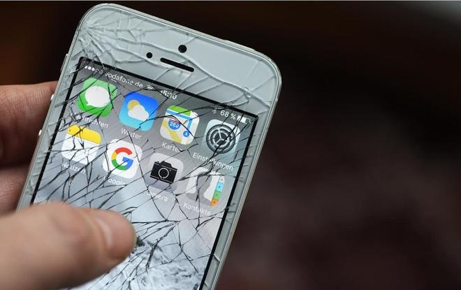 Tai sao phai mua moi iPhone khi chiec cu van dung duoc? hinh anh