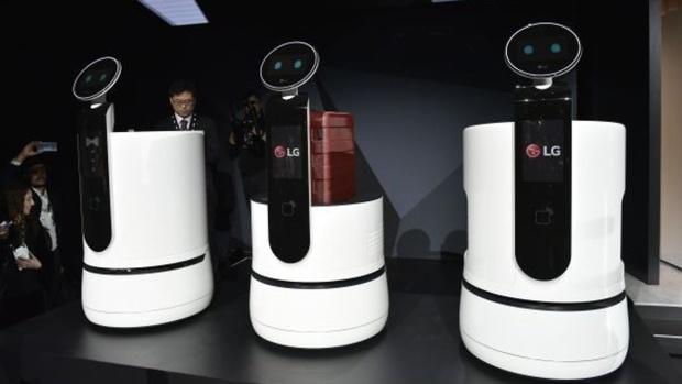 Nhung mau robot ki la tai CES 2018 hinh anh 1