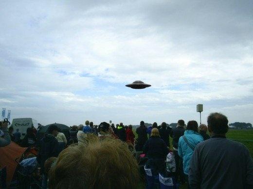 Vi sao cac nha khoa hoc khong quan tam den video ve UFO? hinh anh 2