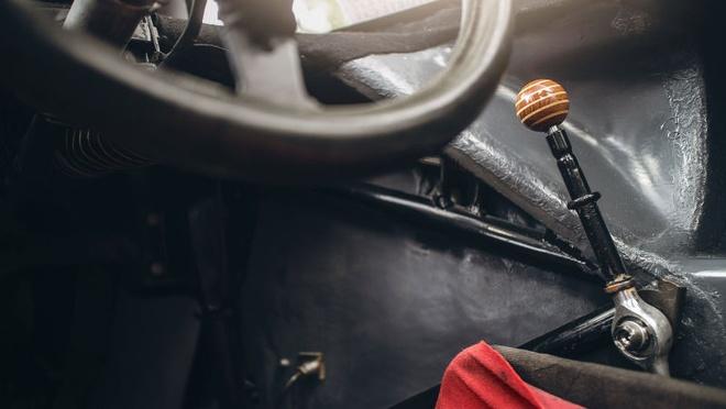 'Do' Porsche 917 hop phap de chay tren pho hinh anh 9