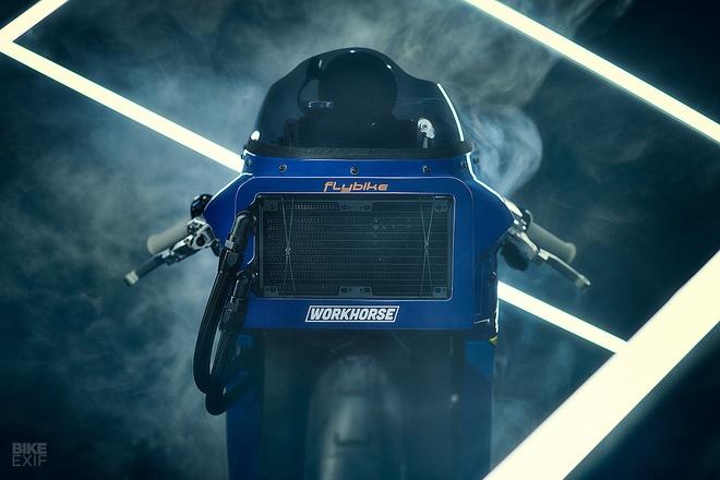 Chien binh toc do Yamaha XSR700 tro ve tu qua khu hinh anh 2