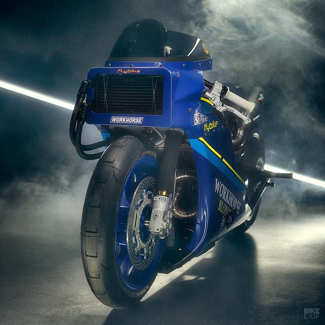 Chien binh toc do Yamaha XSR700 tro ve tu qua khu hinh anh 4