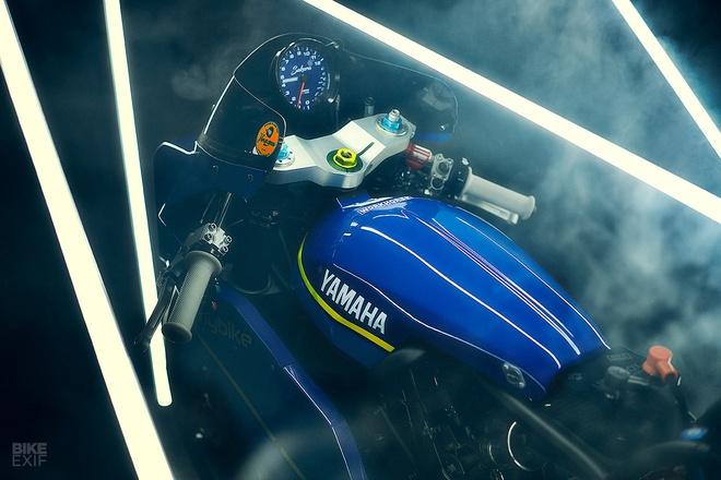 Chien binh toc do Yamaha XSR700 tro ve tu qua khu hinh anh 9