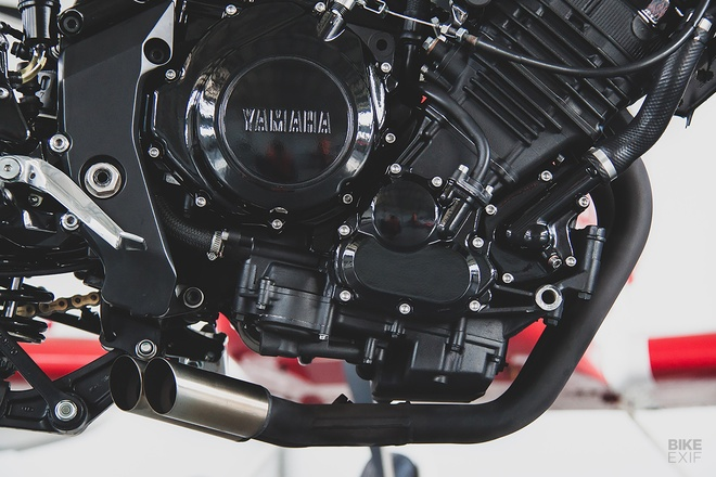 Can canh mau do cafe - streetfighter Yamaha TRX850 tu Nga hinh anh 11