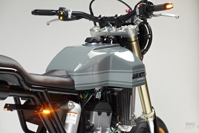 Suzuki DR-Z400SM do gon gang cho quai xe pho thi hinh anh 6