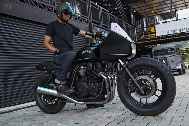 Moto canh sat Honda CBX750 tai xuat voi phong cach ham ho hinh anh