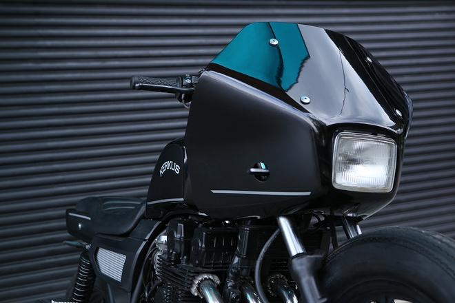 Moto canh sat Honda CBX750 tai xuat voi phong cach ham ho hinh anh 4