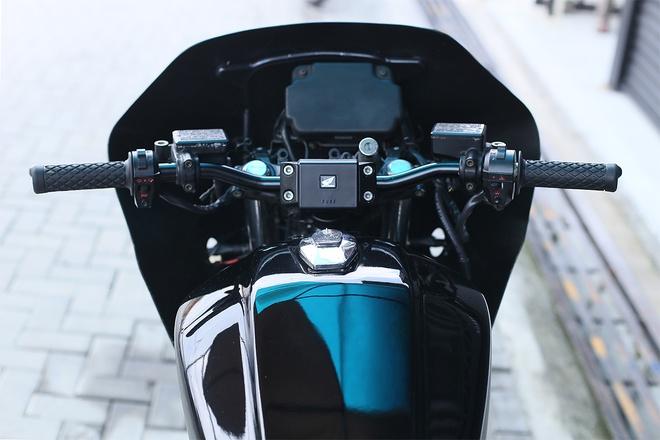 Moto canh sat Honda CBX750 tai xuat voi phong cach ham ho hinh anh 8