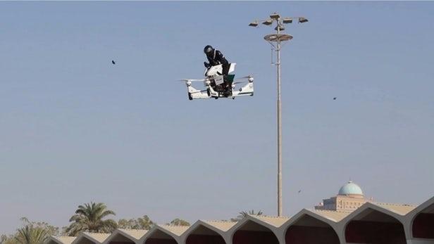 Canh sat Dubai tap su dung xe bay de bat toi pham hinh anh 4