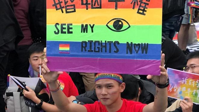 Quang cao ve LGBT tren YouTube gay tranh cai o Dai Loan hinh anh 2