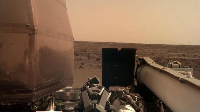 Sau khi dap xuong sao Hoa, tau vu tru cua NASA lam gi? hinh anh 1