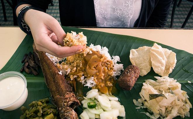 An boc the nao cho dung chuan nguoi An Do, Malaysia hinh anh