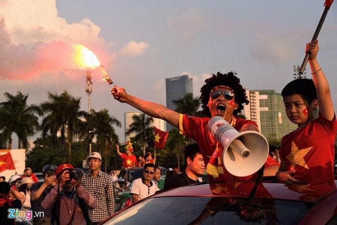 Toi Malaysia co vu Quang Hai, Cong Phuong, lam sao de an toan? hinh anh 1
