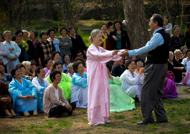 Cuộc sống bình yên của người Triều Tiên qua ống kính nhiếp ảnh