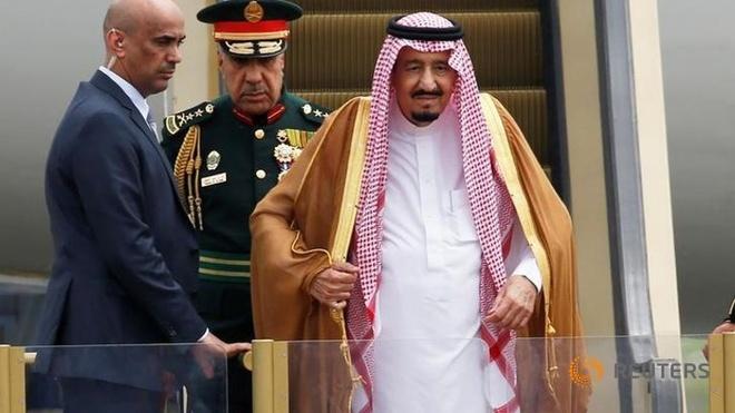 Vua Saudi: 1.500 tuy tung, 500 tan hanh ly, 2 thang may hinh anh 1