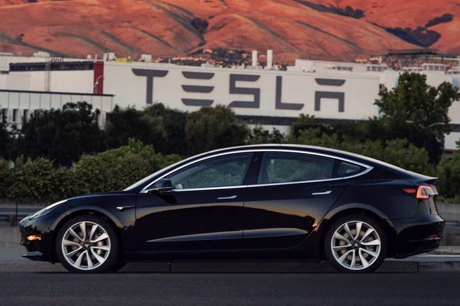 Cong ty xe dien cua Elon Musk bao lai ky luc hinh anh 1