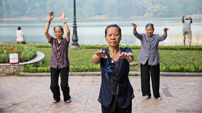 Economist: Viet Nam chua giau da gia hinh anh