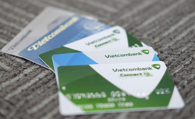 Vietcombank len tieng vu khach mat 32 trieu dong trong tai khoan hinh anh
