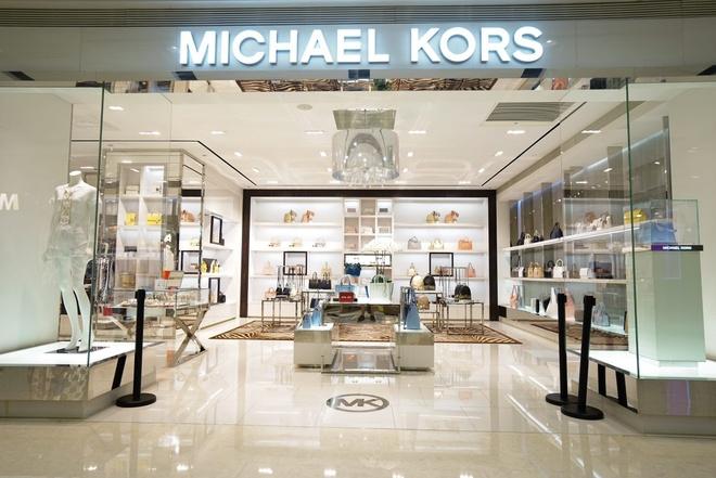 Michael Kors doi ten sau khi hoan tat mua lai Versace hinh anh 1
