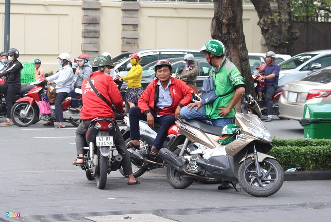 Grab duoc SoftBank rot them 1,5 ty USD, quyet thang Go-Jek o Indonesia hinh anh 2