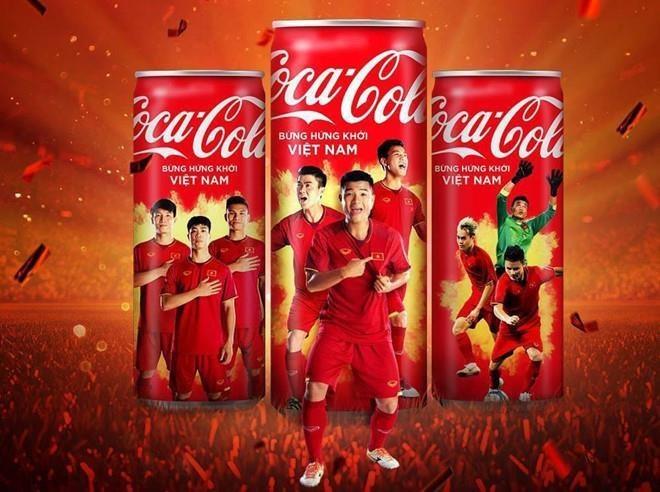 Don vi treo quang cao 'Mo lon Viet Nam' cua Coca-Cola bi phat 25 trieu hinh anh 1