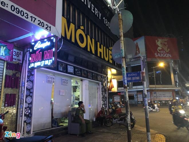 Nha hang Mon Hue o TP.HCM bi nguoi den chuyen tai san hinh anh 1