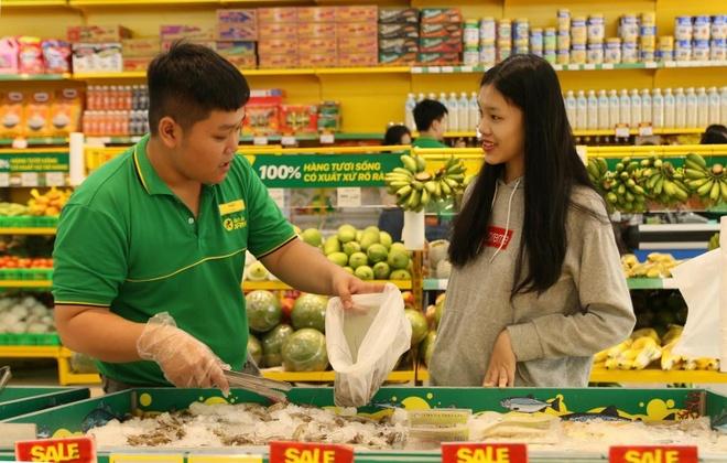 CEO Bach Hoa Xanh noi ve muc tieu 10.000 cua hang cua Vinmart hinh anh 1