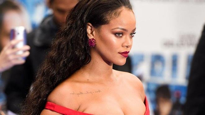 Kham pha biet thu 38 trieu USD nu danh ca Rihanna bi mat thue hinh anh 1