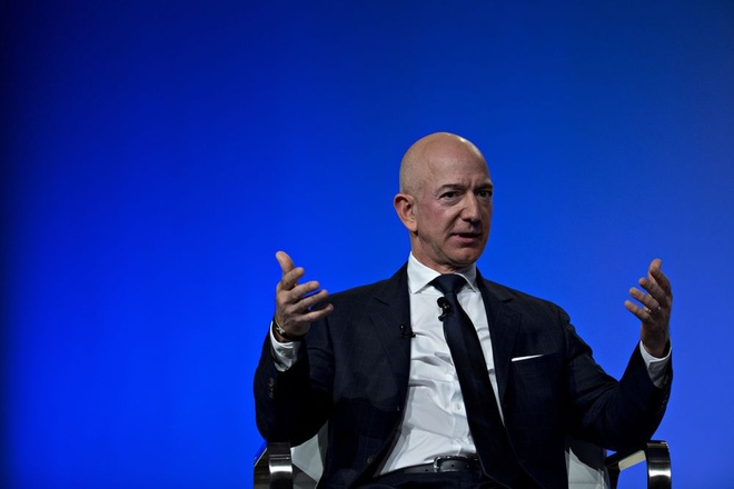 Mat 7 ty USD, Jeff Bezos tra ngoi giau nhat the gioi cho Bill Gates hinh anh 1