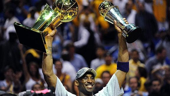 Huyen thoai Kobe Bryant kiem duoc 680 trieu USD trong suot su nghiep hinh anh 4 nba_g_kobepostgm2_576.jpg