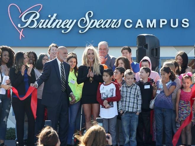 Cong chua nhac pop Britney Spears kiem va tieu nhieu tien nhu the nao hinh anh 13 5e1b96a6f4423118d42b56f2.jpg