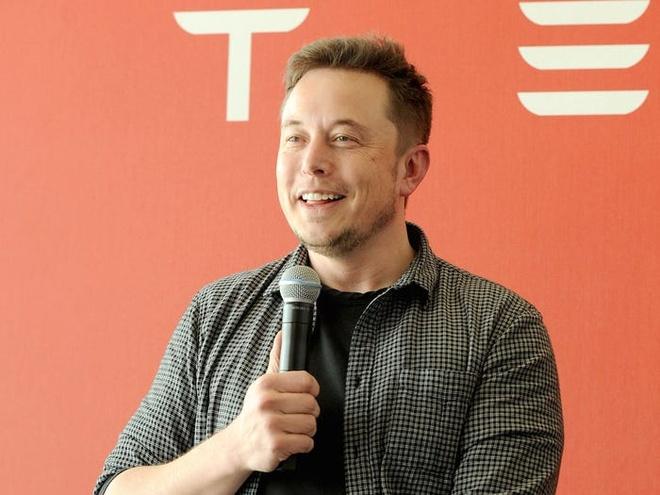 Ty phu Elon Musk bo an sang, lam 100 gio moi tuan hinh anh 2 593ab753c4adee28008b4a19.jpg