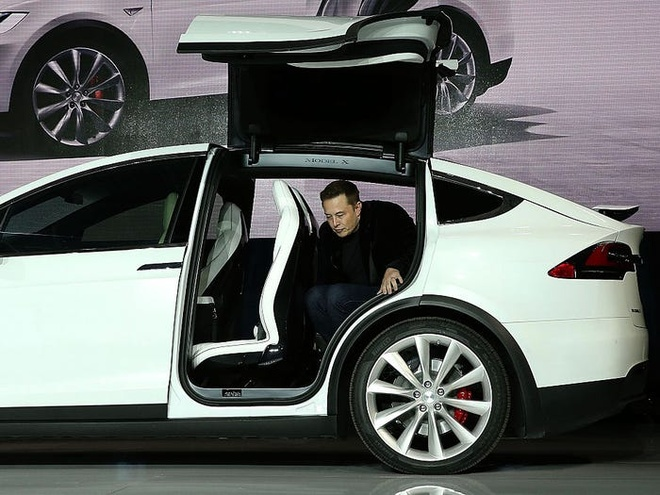 Ty phu Elon Musk bo an sang, lam 100 gio moi tuan hinh anh 1 593ab776c4adee7a008b49f6.jpg