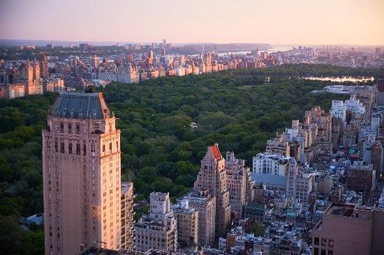 Khach san dat bac nhat New York tro thanh noi o cho y bac si hinh anh 3 central_park_views.jpg