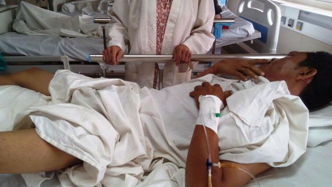 Anh Nguyễn Gia Hải, tài xế xe tải đang điều trị ở bệnh viện Quốc tế Huế.