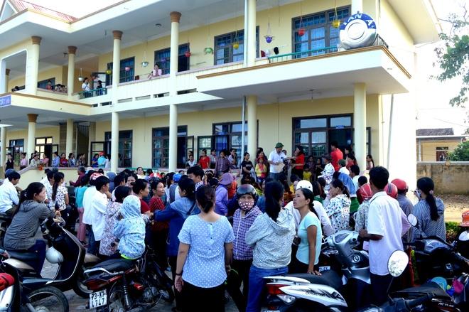 Bi thu tinh uy Quang Binh chi dao lam ro truong hoc lam thu anh 2