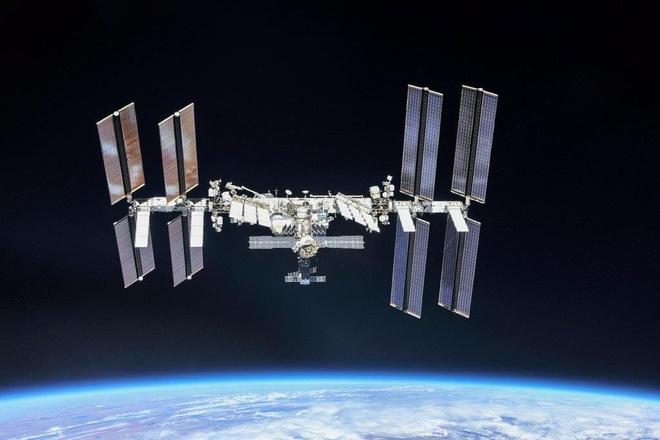 NASA xac nhan dich vu du lich vu tru 35.000 USD/dem vao nam 2020 hinh anh 1
