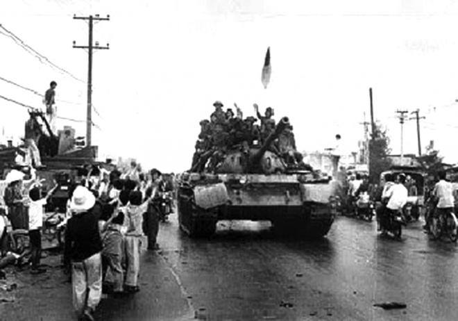 Ai viet tuyen bo dau hang cho Duong Van Minh ngay 30/4/1975 hinh anh 2