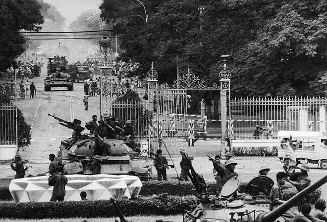 Ai viet tuyen bo dau hang cho Duong Van Minh ngay 30/4/1975 hinh anh 6