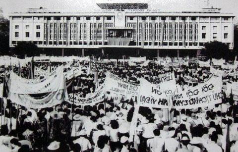 Ai viet tuyen bo dau hang cho Duong Van Minh ngay 30/4/1975 hinh anh 8