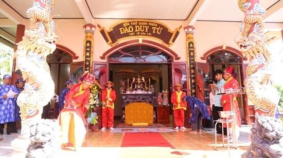 Dao Duy Tu,  chua Nguyen anh 2