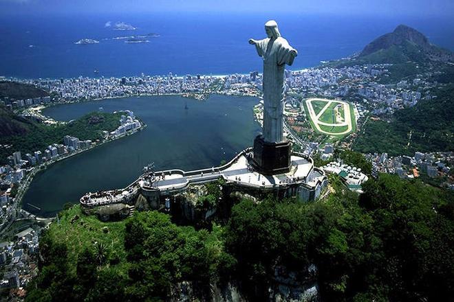 Doi tuyen Brazil,  vu dieu Samba,  song Amazon anh 4
