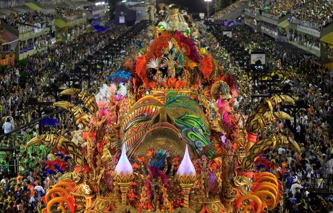 Doi tuyen Brazil,  vu dieu Samba,  song Amazon anh 6
