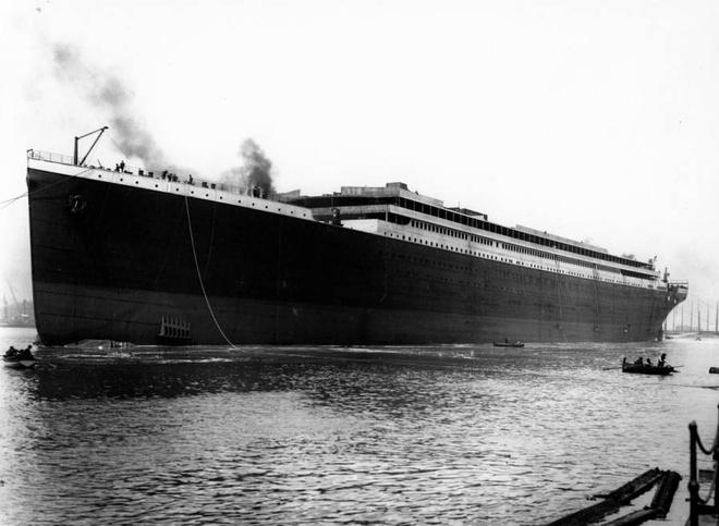 Vi sao Titanic 'khong the dam' lai chim tren dai duong? hinh anh 4