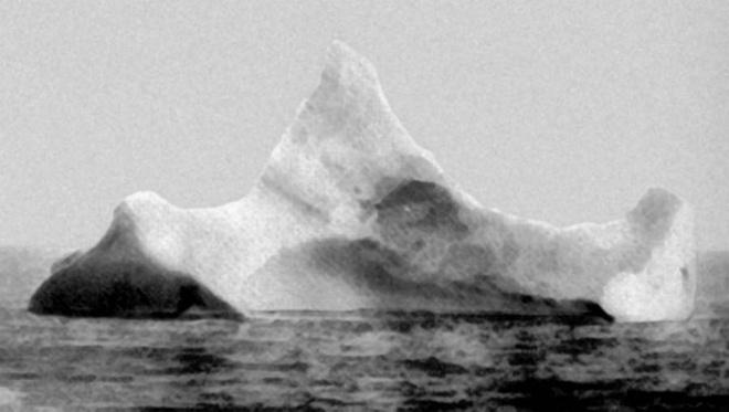 Vi sao Titanic 'khong the dam' lai chim tren dai duong? hinh anh 8